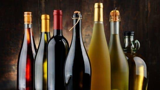 Invinitum vinprenumeration vinflaskor